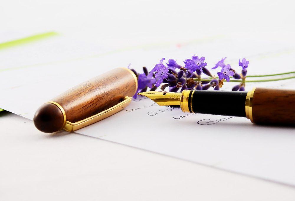 Geef een gegraveerde pen als origineel cadeau