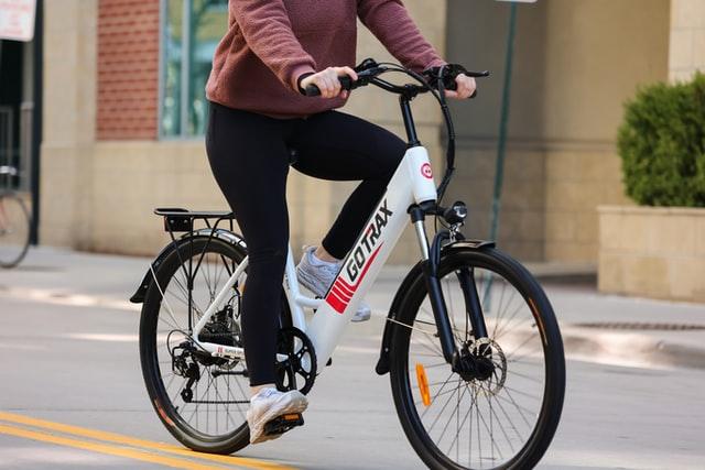 De e bike, niet meer weg te denken uit het straatbeeld